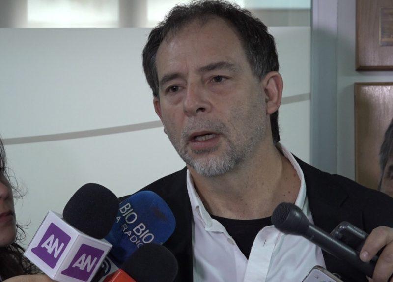 Girardi anuncia ley que crea oferta de diálisis pública en hospitales y municipios