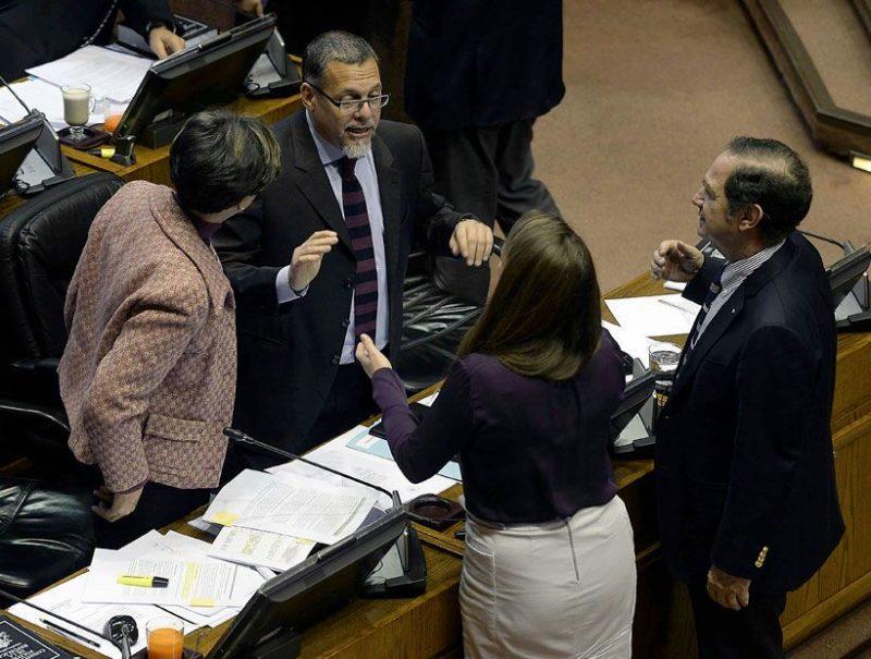 Senadores PPD valoran despenalización de aborto