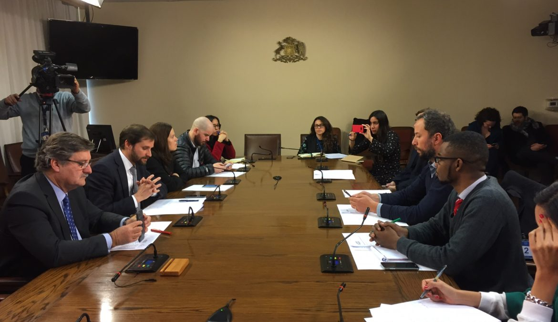 Diputado Farías criticó interpelación a ministro del Interior por ley de inmigración