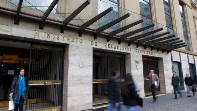 Ex Cancilleres reiteran críticas a Piñera por restarse de Pacto Migratorio