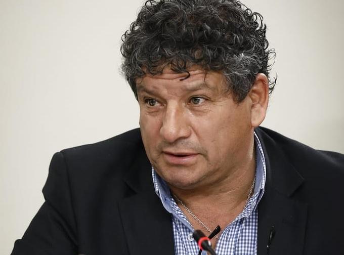 Molestia causa en Comisión de Obras Públicas presencia de ex ministro Carlos Cruz