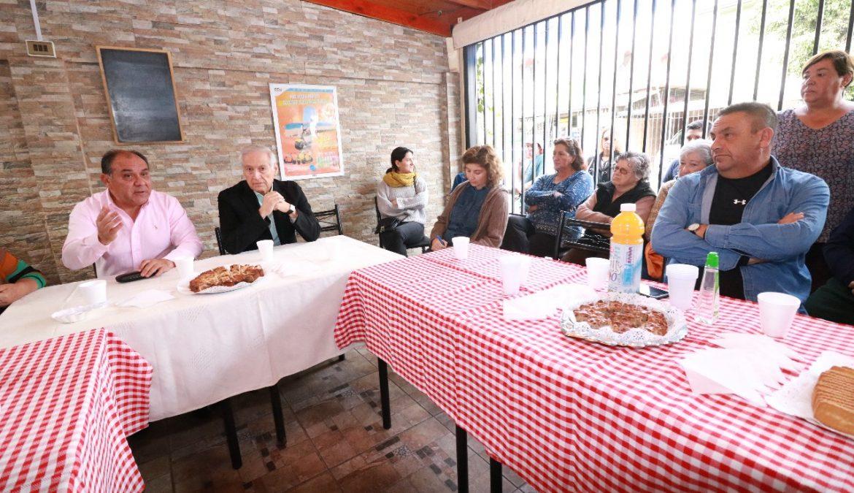 Heraldo Muñoz se reúne con vecinos afectados por delitos e insiste en promover Servicio de Víctimas