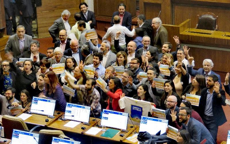 """Bancada PPD tras aprobación del proyecto 40 horas: """"Es un triunfo de la ciudadanía"""""""