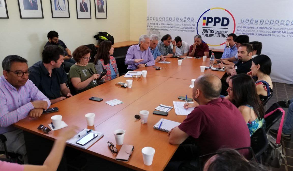 Heraldo Muñoz valora trabajo de Comisión Técnica y confía en que este martes se ingrese proyecto de plebiscito