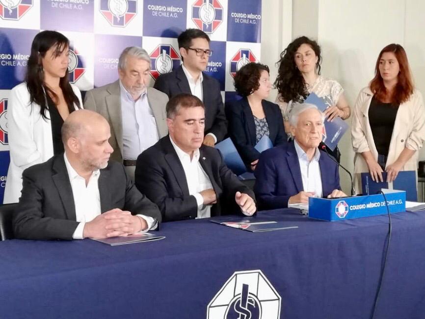 """Heraldo Muñoz ante llamado del Colegio Médico a partidos: """"Como nunca es necesaria la unidad"""""""