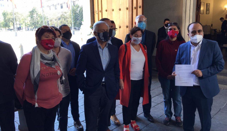 Heraldo Muñoz valora rápida respuesta del Gobierno para atrasar toque de queda el domingo, pero reitera necesidad de transporte gratuito