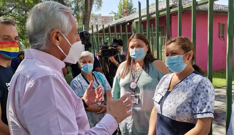 Primer año de pandemia: Heraldo Muñoz emplaza al gobierno a acudir con ayuda oportuna